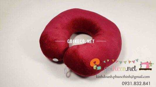 In thêu logo quảng cáo gối ôtô đỏ đô giá rẻ số lượng lớn
