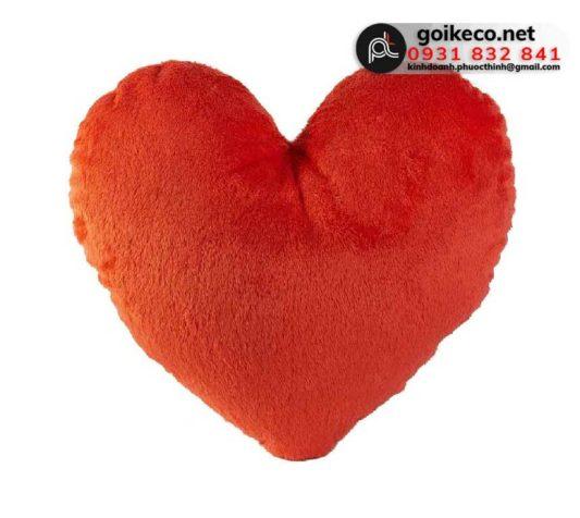 Gối hình trái tim màu đỏ