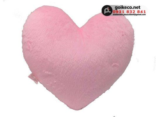Gối hình trái tim màu hồng