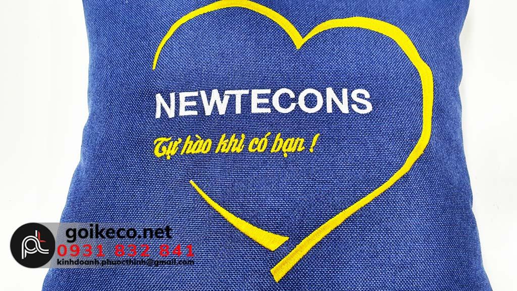 In logo gối tựa lưng giá rẻ Newtecons (2)